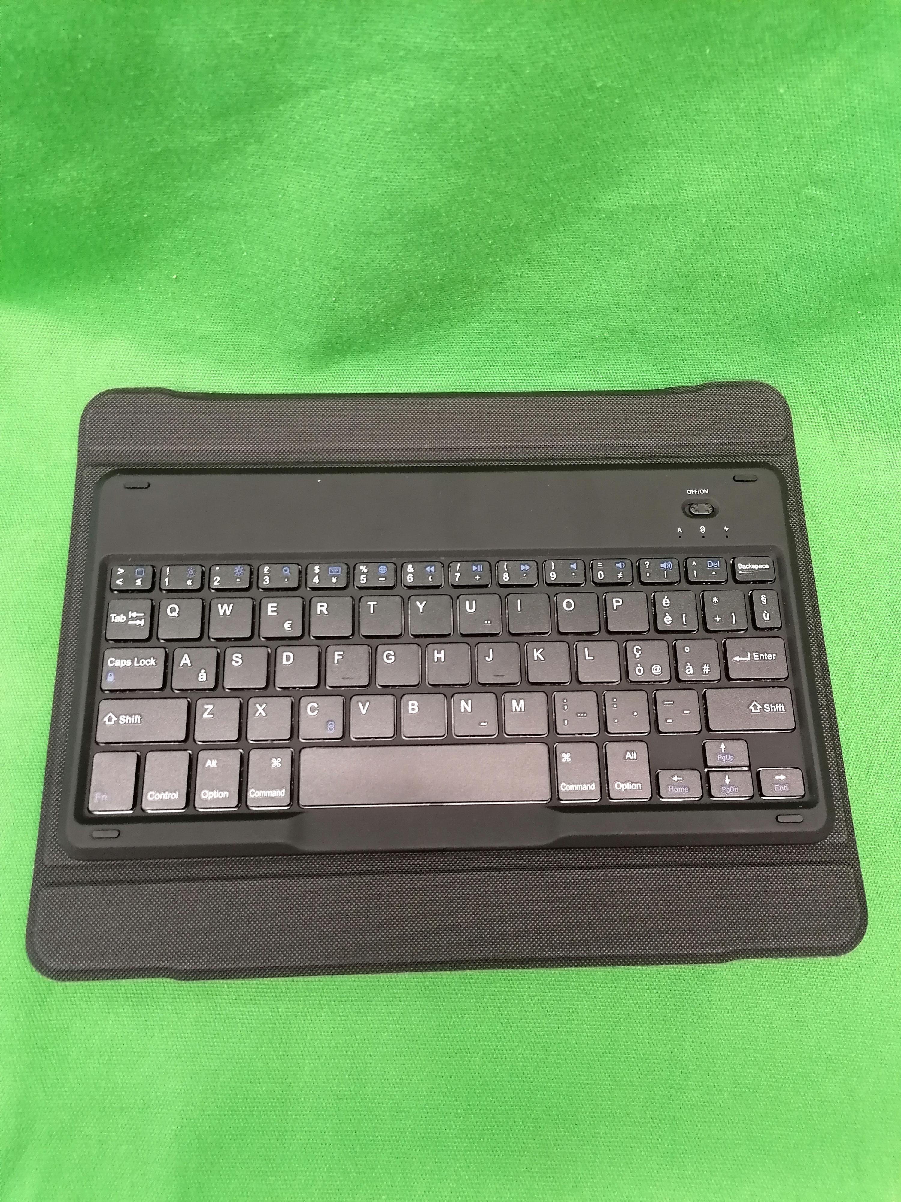 Omoton Bluetooth tablet billentyűzet, kiemelt kép
